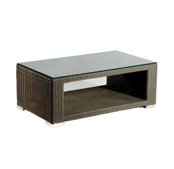 wicker coffee table for your garden and patio